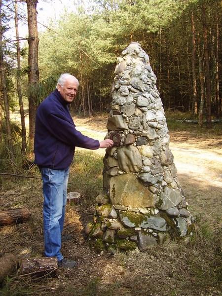 Harry Smit de trouwe betonmaker bij de Miesje piramide