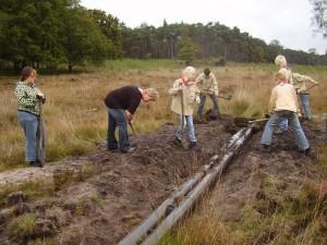 Op 2 oktober 2010 werd met hulp van scouts uit Zwolle een buis onder de zandweg nabij de Peter Paulplas gelegd